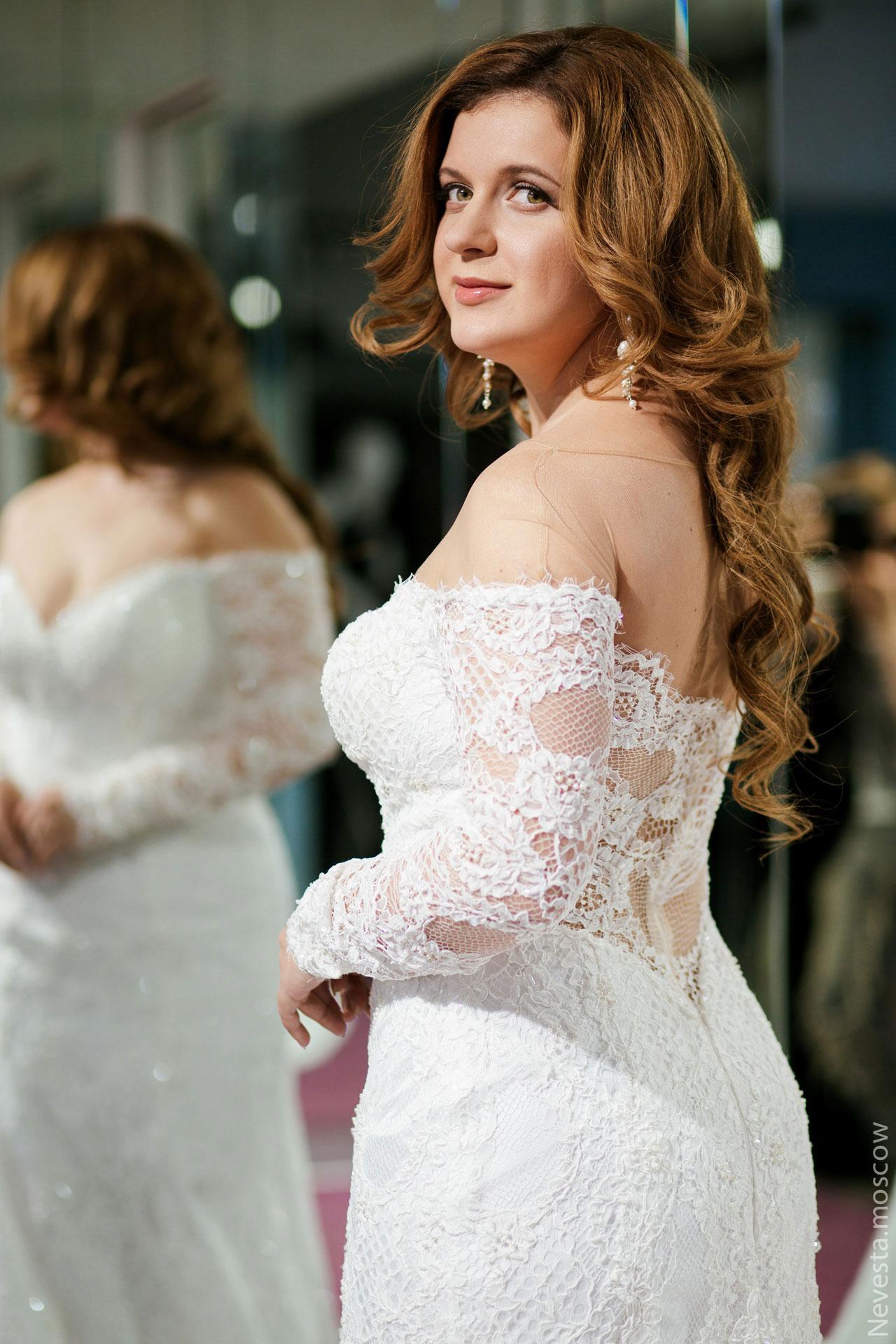 Анастасия Денисова выбирает образ для своей свадьбы фото 11