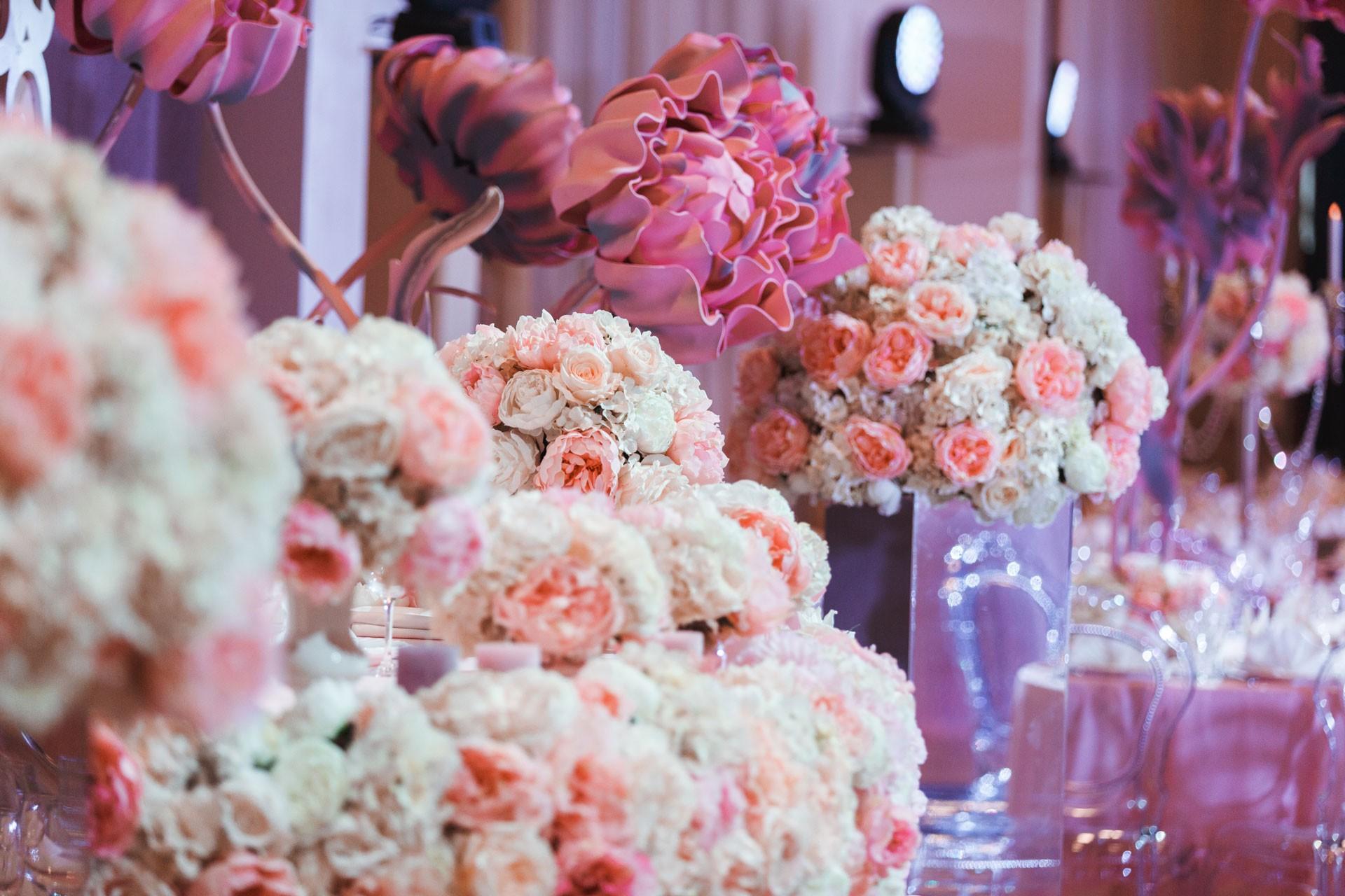 toggle menu Пионовая свадьба. Свадьба Анны Грачевской и Артема Кузякина фото 3