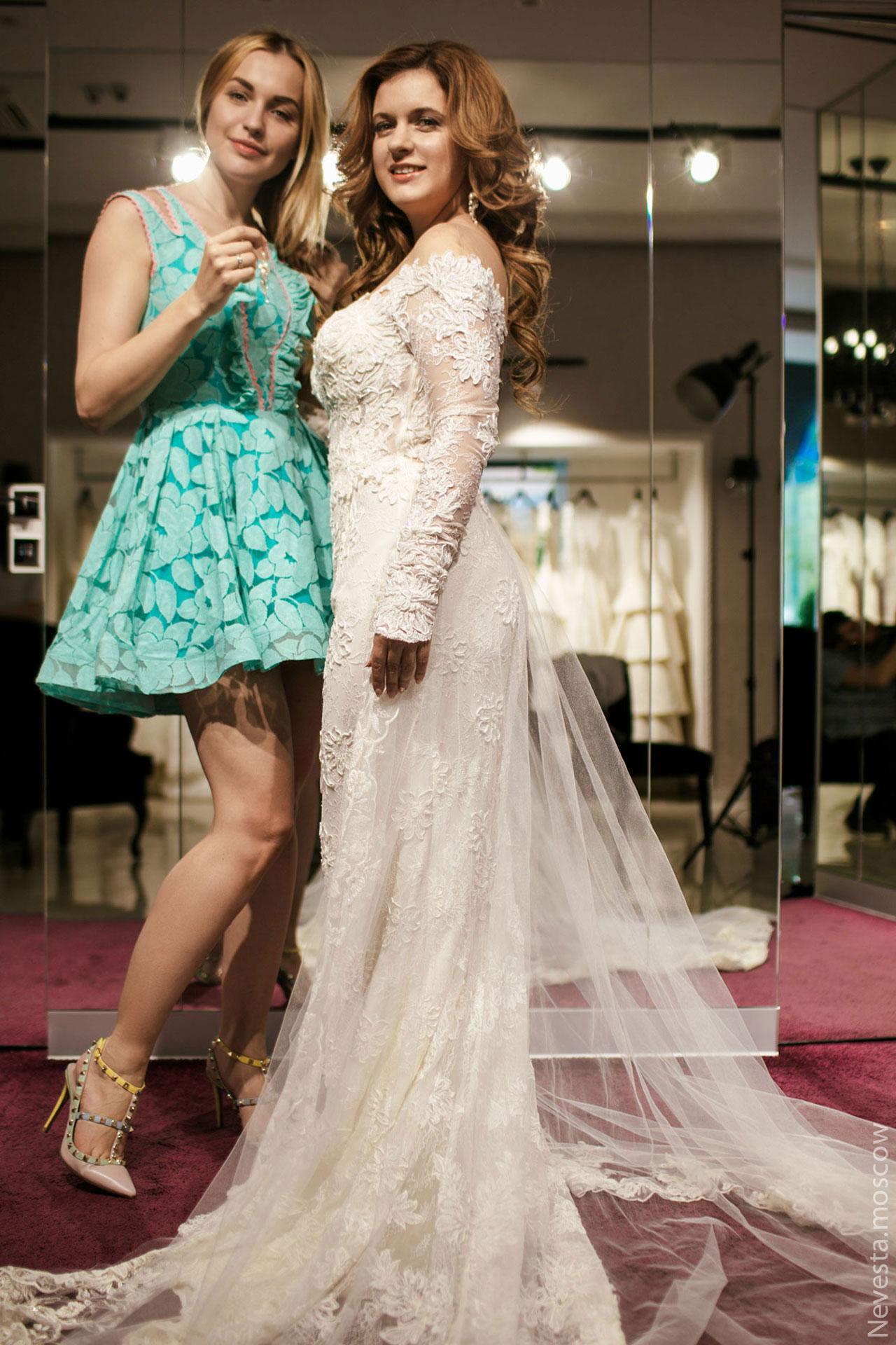 Анастасия Денисова выбирает образ для своей свадьбы фото 20