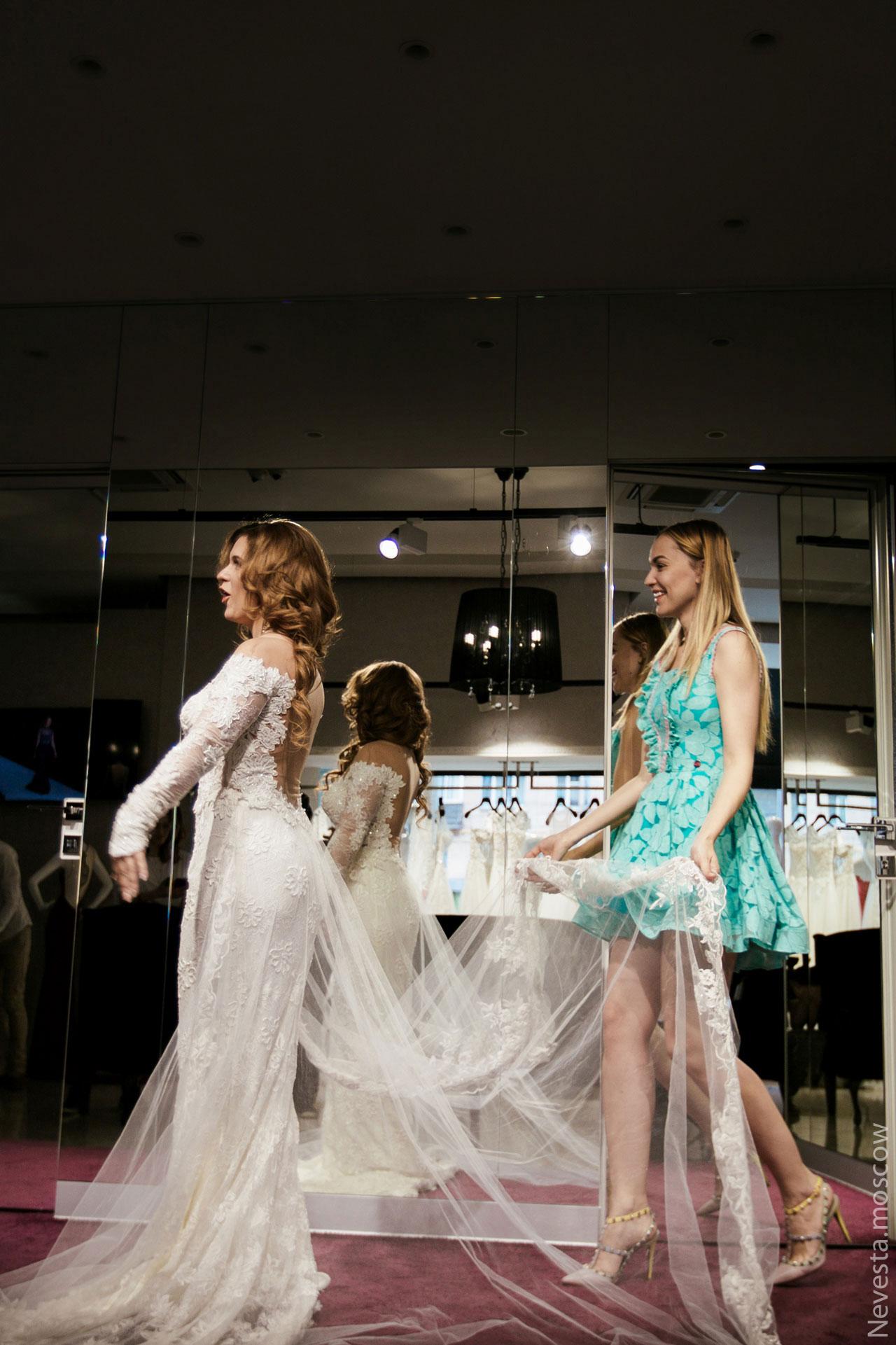Анастасия Денисова выбирает образ для своей свадьбы фото 21