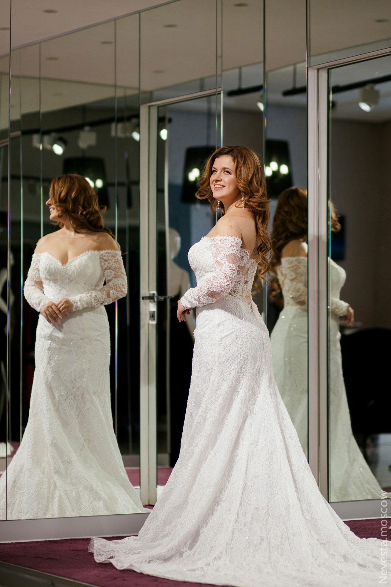 Анастасия Денисова выбирает образ для своей свадьбы фото 10