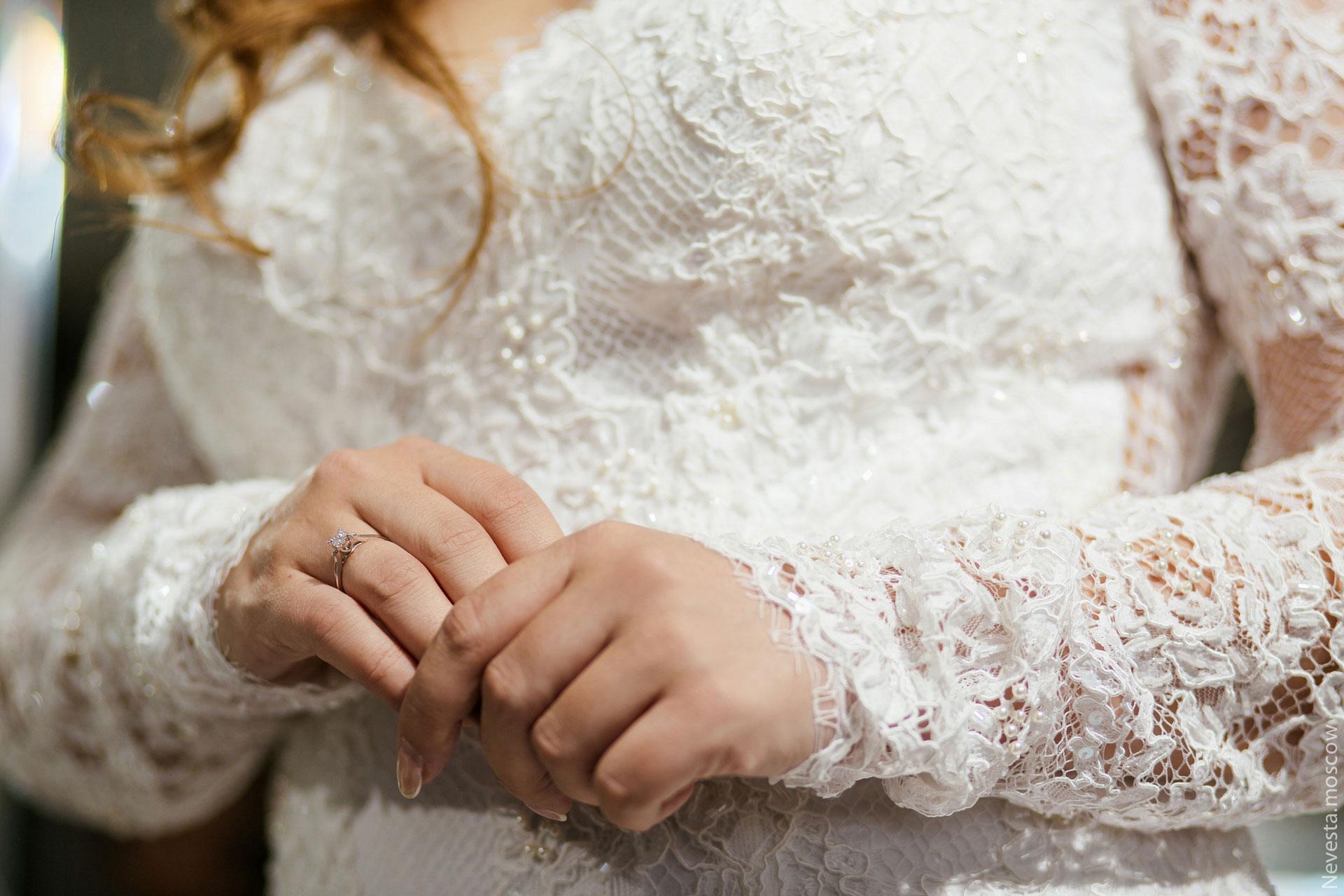 Анастасия Денисова выбирает образ для своей свадьбы фото 14