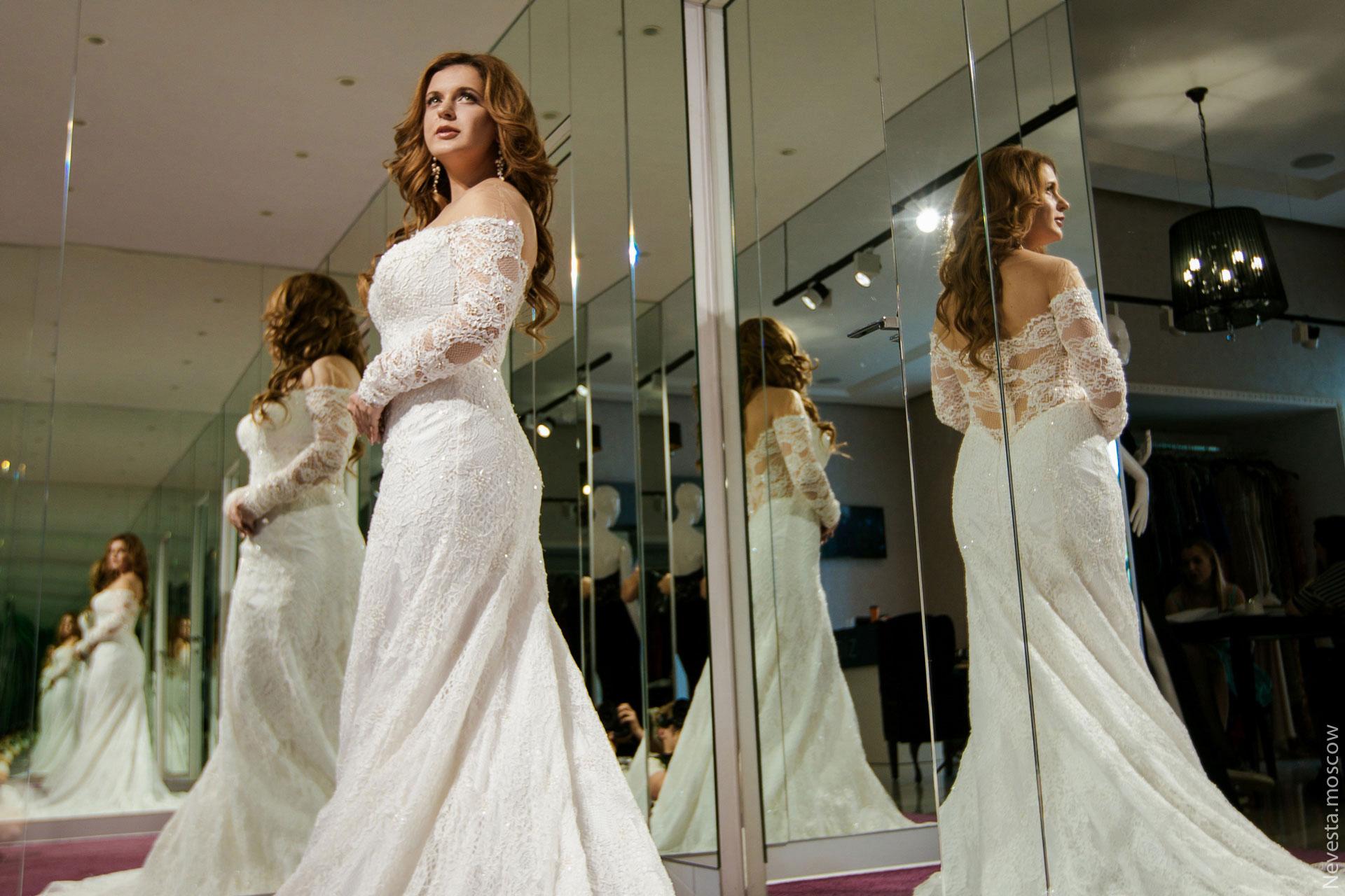 Анастасия Денисова выбирает образ для своей свадьбы фото 12