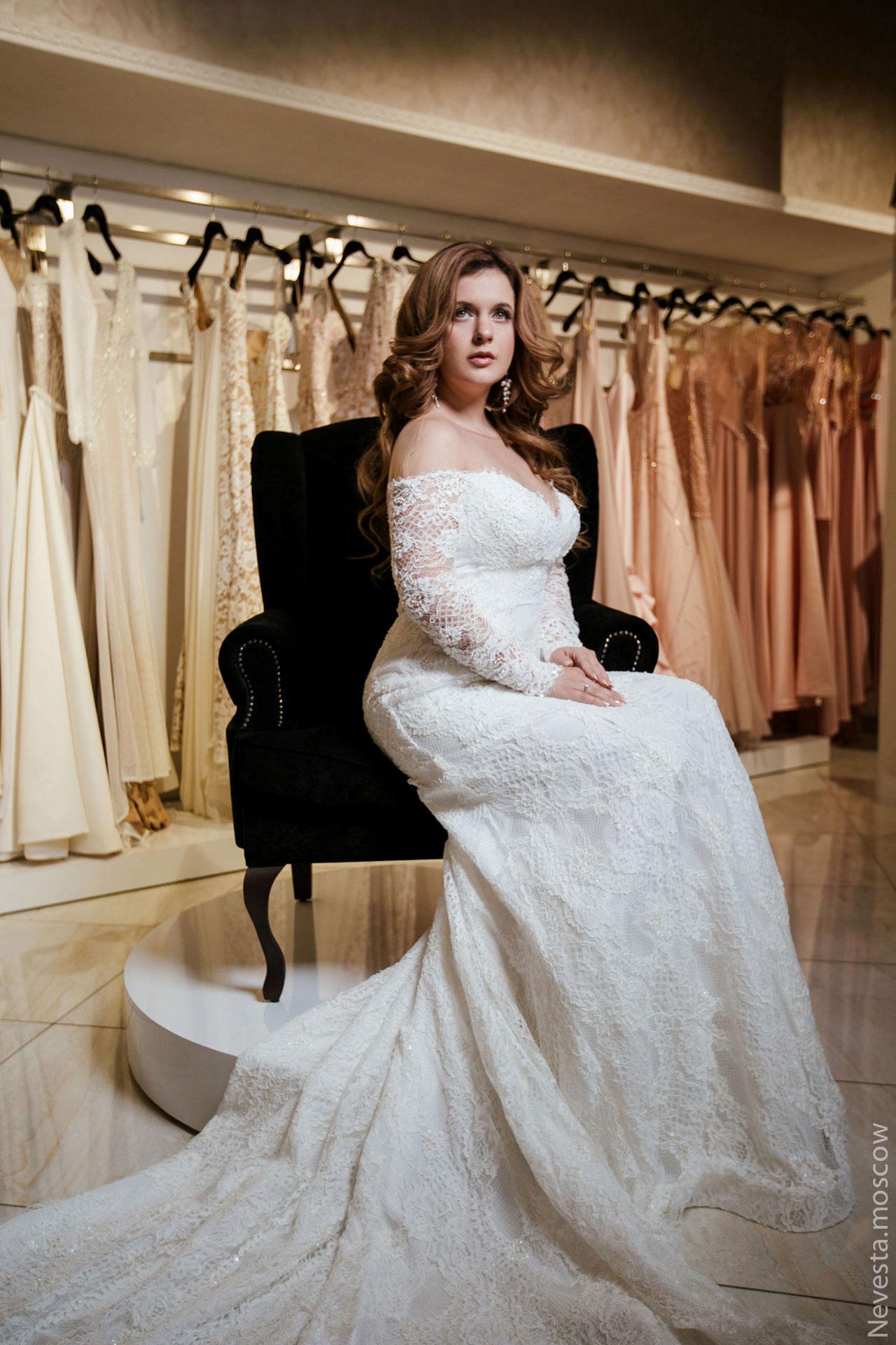 Анастасия Денисова выбирает образ для своей свадьбы фото 26