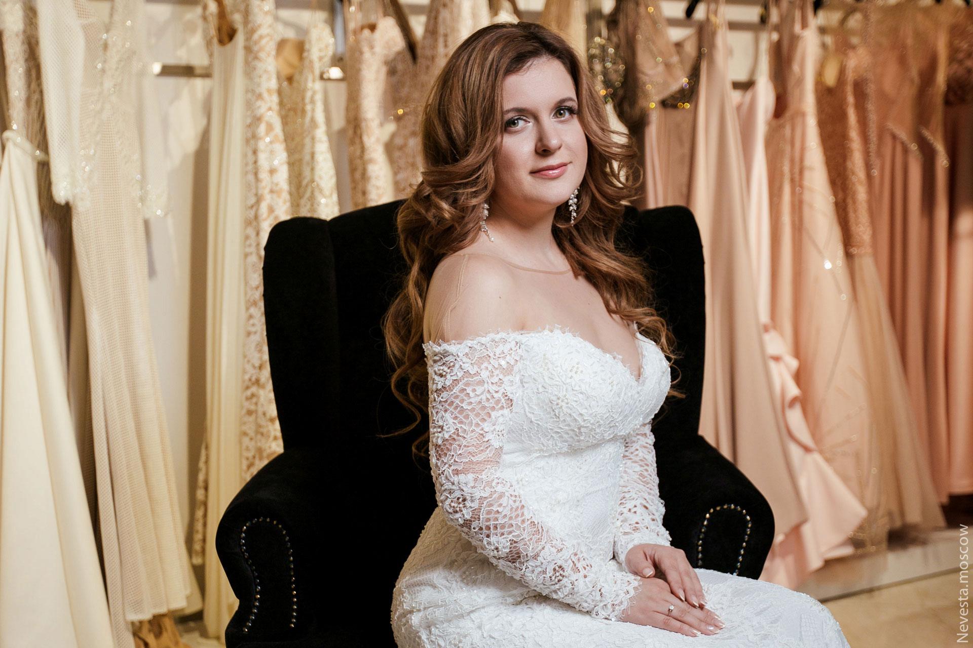 Анастасия Денисова выбирает образ для своей свадьбы фото 15