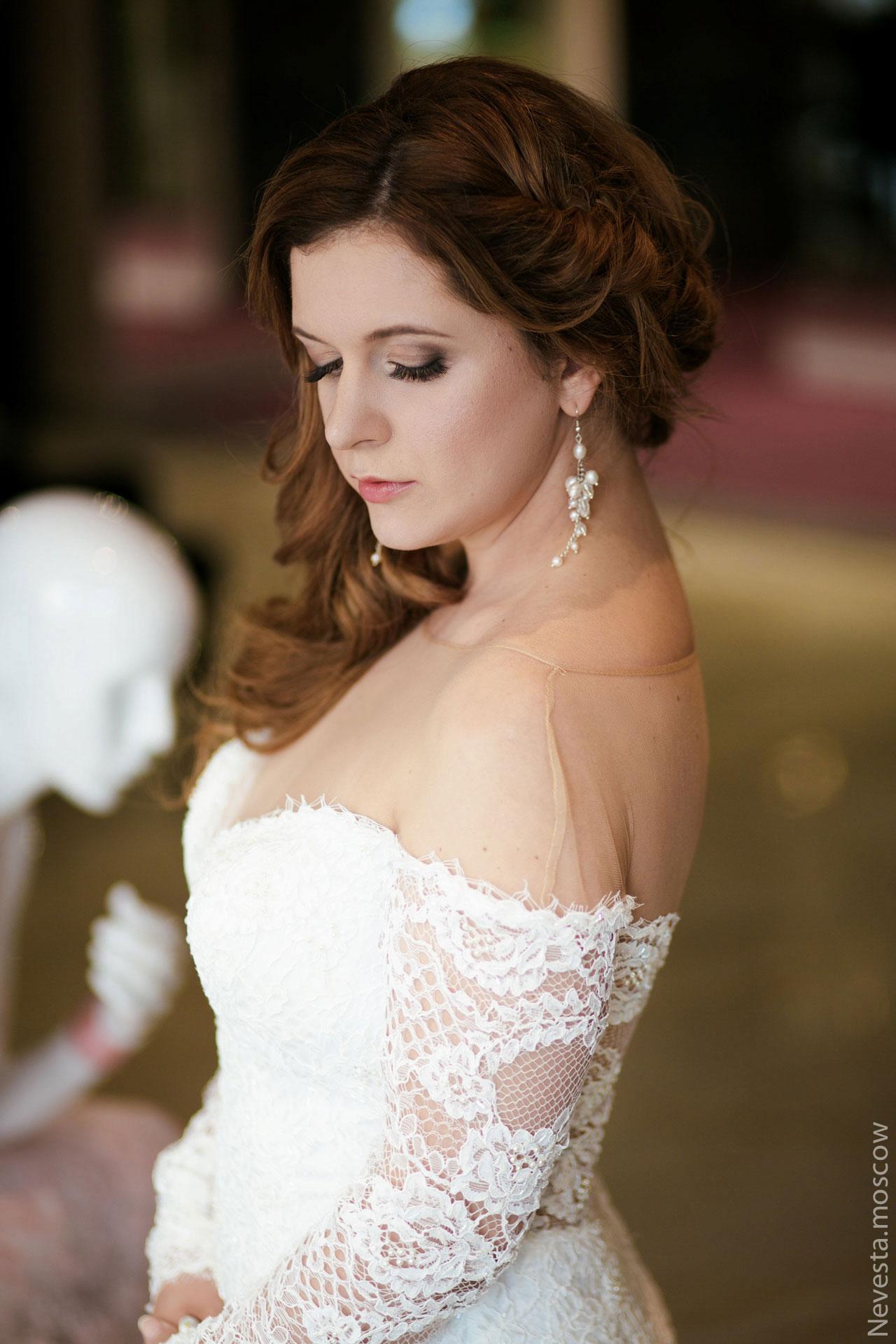 Анастасия Денисова выбирает образ для своей свадьбы фото 9