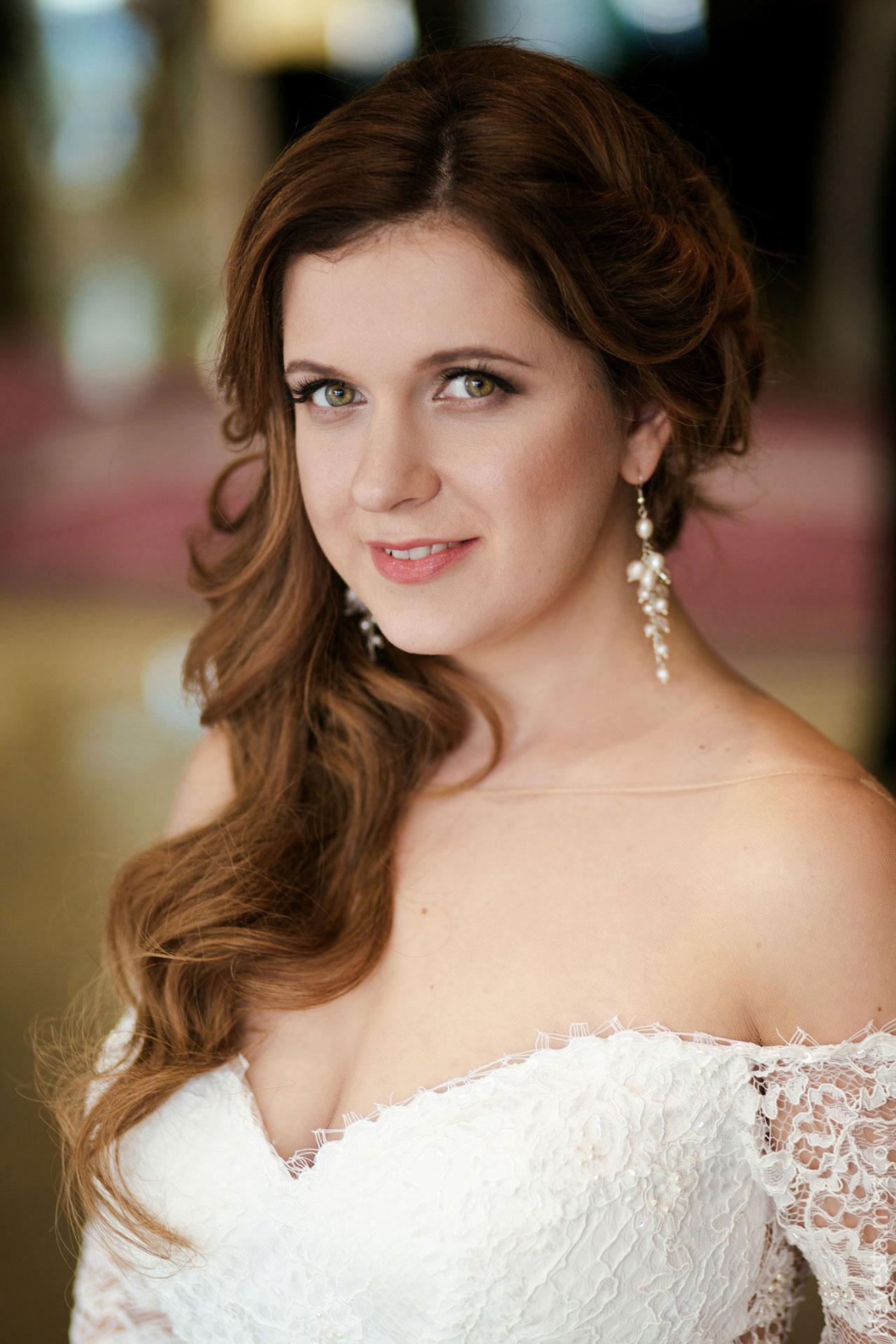 Анастасия Денисова выбирает образ для своей свадьбы фото 25