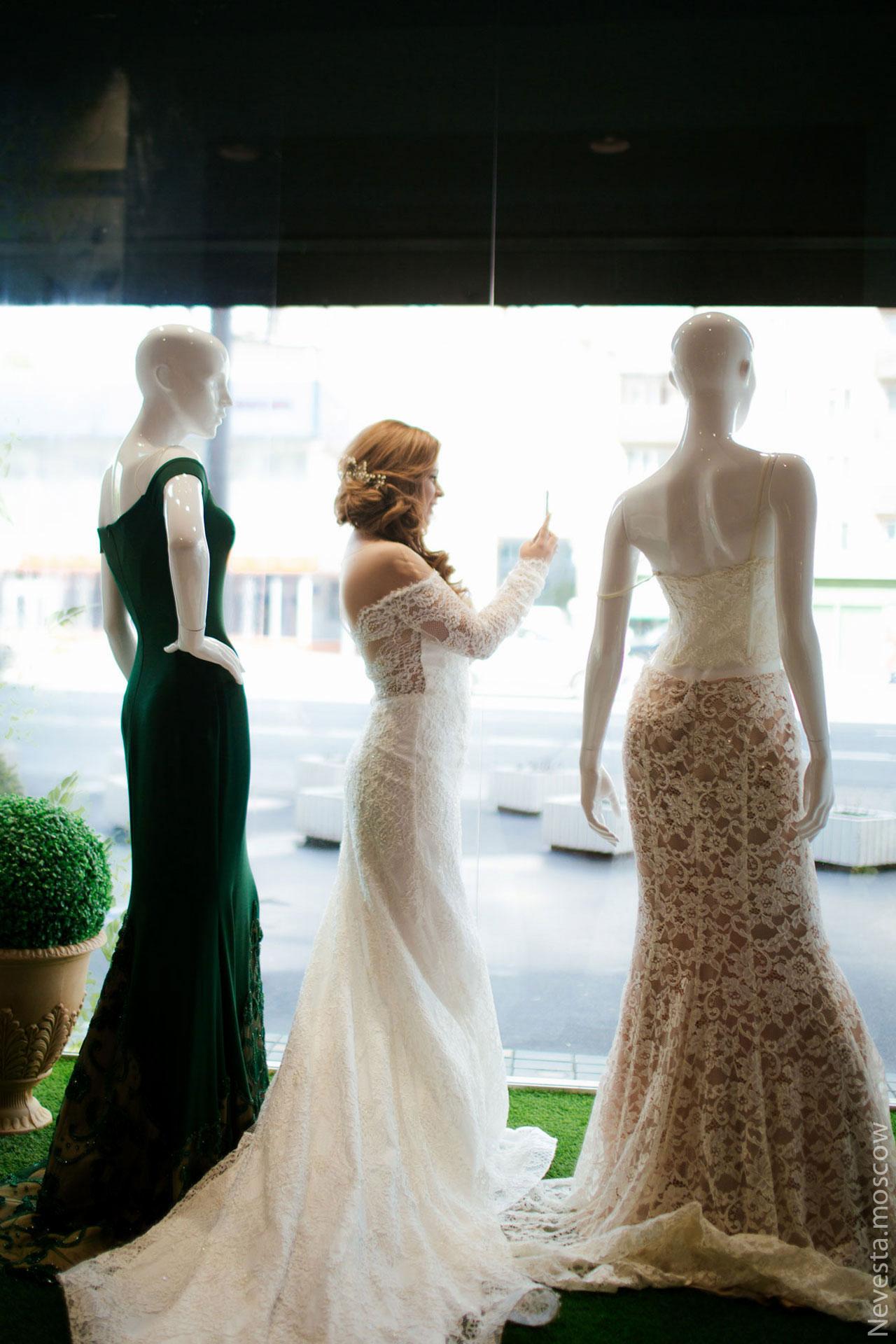 Анастасия Денисова выбирает образ для своей свадьбы фото 22