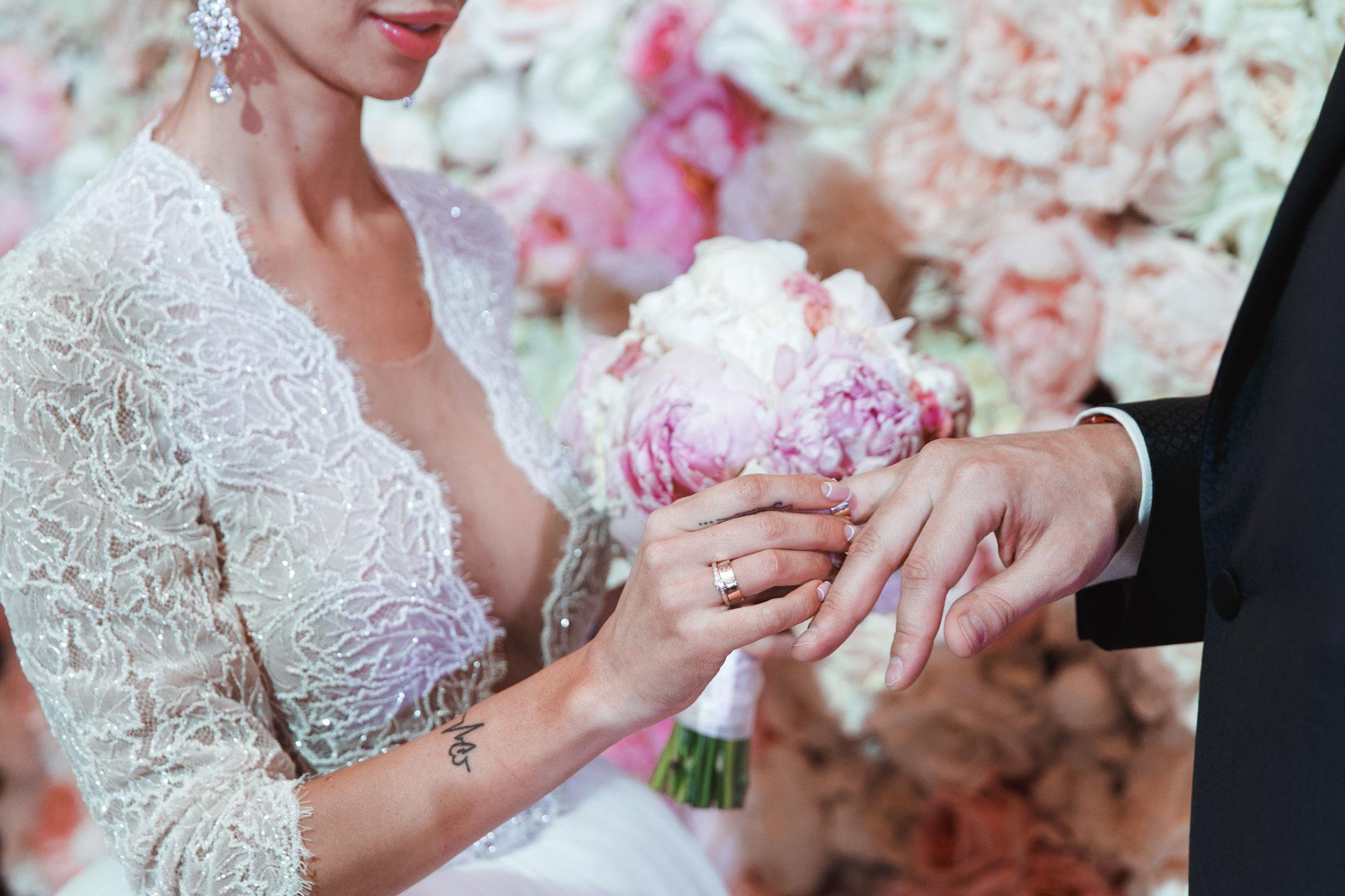 Анна грачевская и артем кузякин фото свадьбы