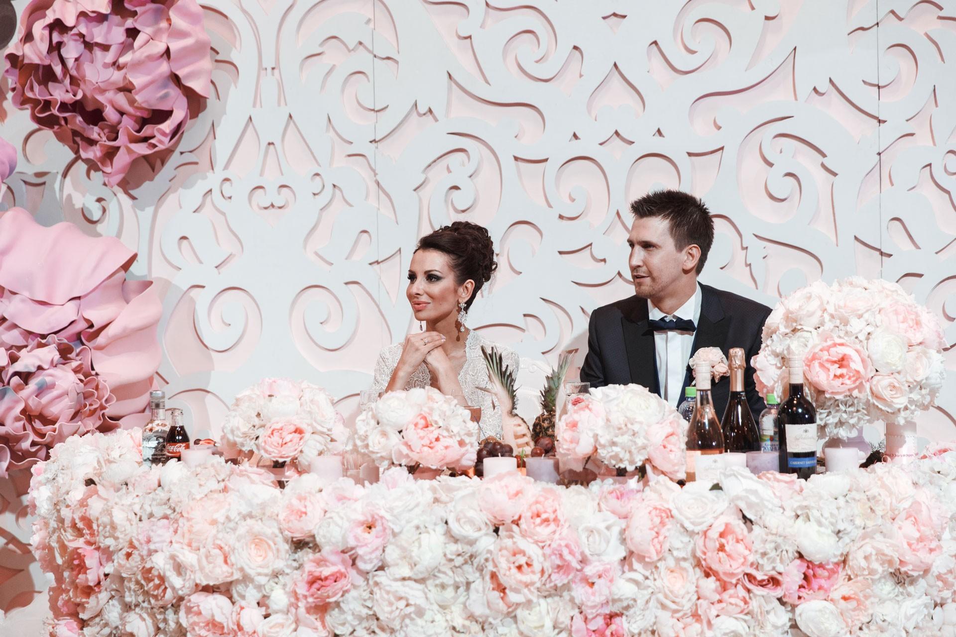 Пионовая свадьба. Свадьба Анны Грачевской и Артема Кузякина фото 29
