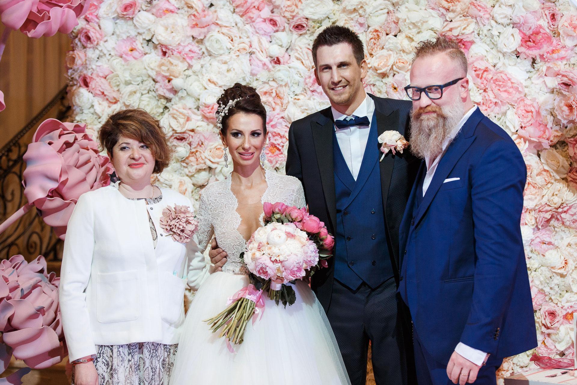 Пионовая свадьба. Свадьба Анны Грачевской и Артема Кузякина фото 34