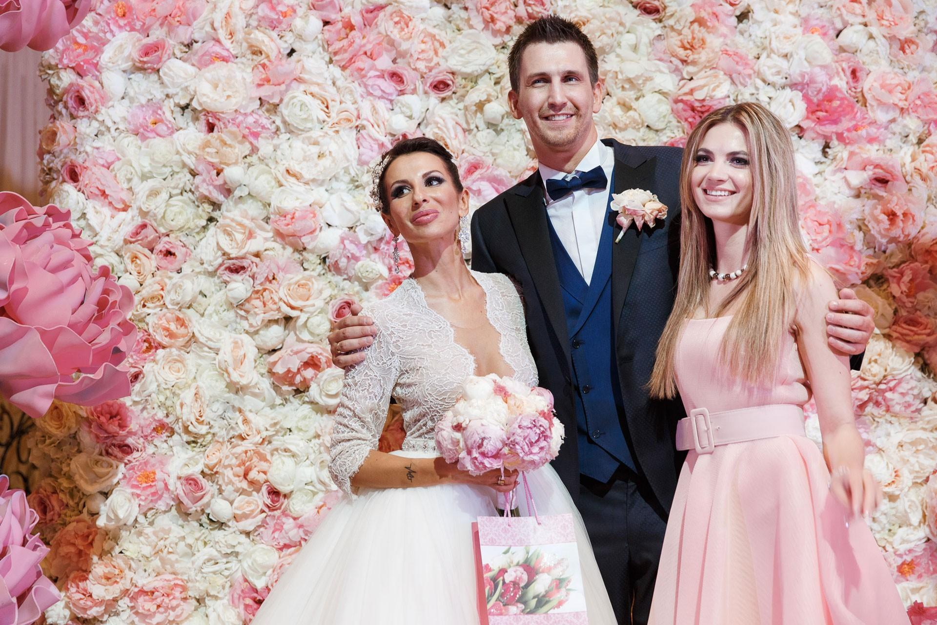 Пионовая свадьба. Свадьба Анны Грачевской и Артема Кузякина фото 35