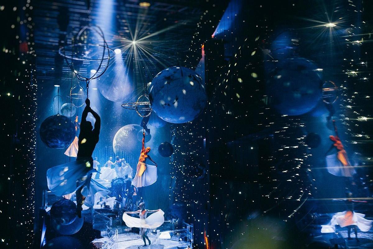 урагана пострадали вечеринка в стиле вселенной общежитие класса ЛЮКС