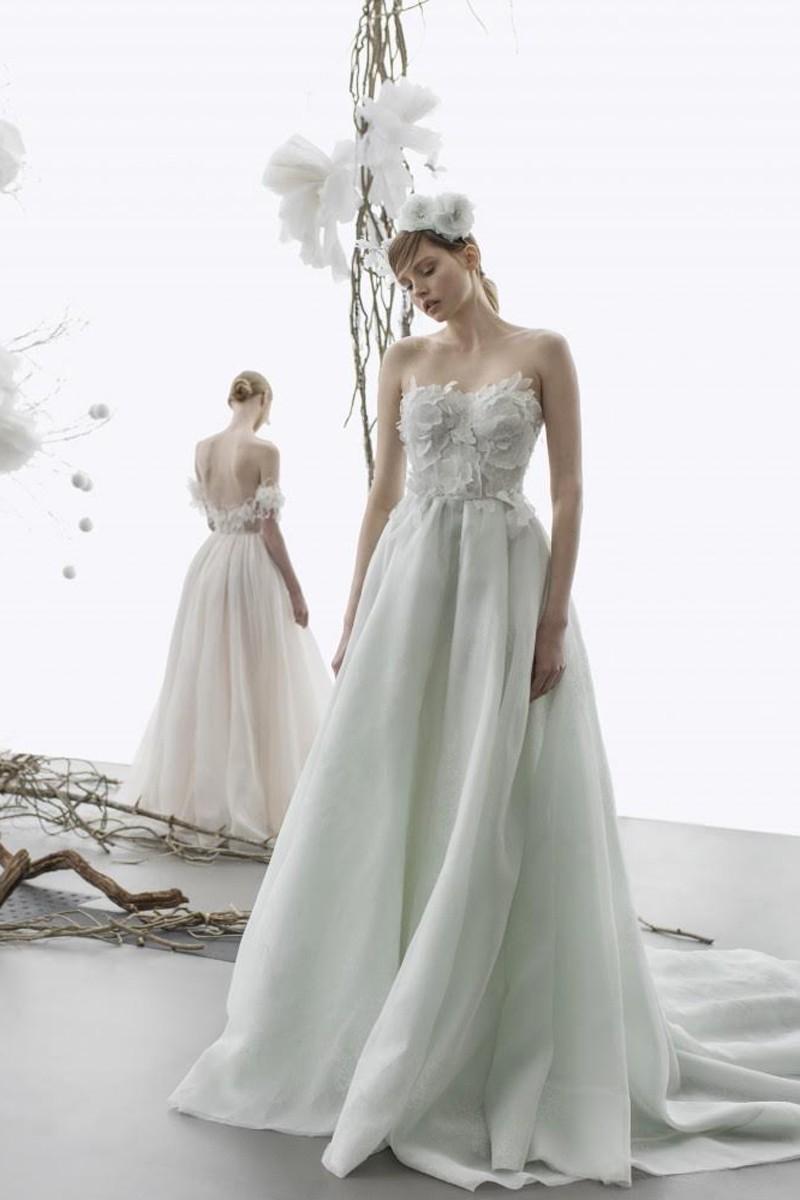 1c126e39f93 Выбор невесты  платья от лучших свадебных салонов Москвы · NEVESTA ...